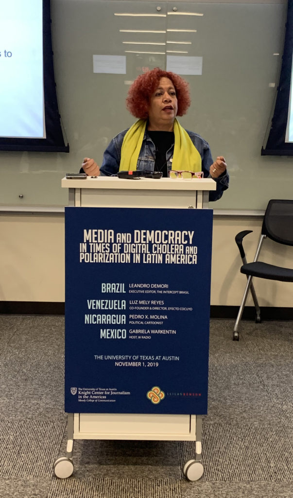 Luz Mely Reyes discusses how to report in Venezuela despite restrictions against the press. (Teresa Mioli/Knight Center)
